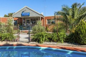 COMFORT INN COACH AND BUSHMANS - Accommodation Port Hedland