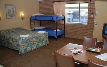 Oasis By The Lake - Accommodation Port Hedland