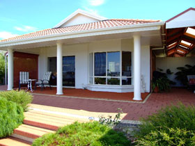 Close Encounters Bed and Breakfast - Accommodation Port Hedland