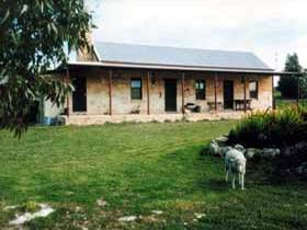 Mt Dutton Bay Woolshed Heritage Cottage - Accommodation Port Hedland