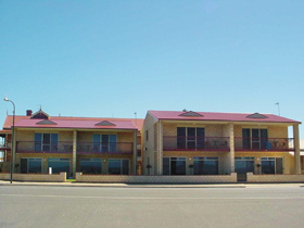 Tumby Bay Hotel Seafront Apartments - Accommodation Port Hedland