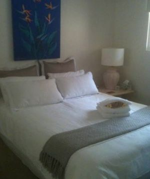 Absolute Beachfront Manly Bed and Breakfast - Accommodation Port Hedland