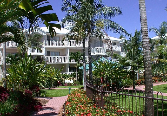 Australis Cairns Beach Resort - Accommodation Port Hedland