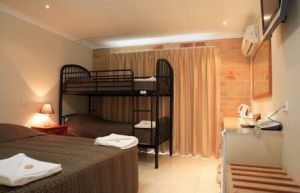 Emerald Central Palms Motel - Accommodation Port Hedland