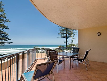 Coolum Baywatch Resort - Accommodation Port Hedland