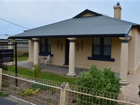 Agnes Cottage Bed and Breakfast - Accommodation Port Hedland