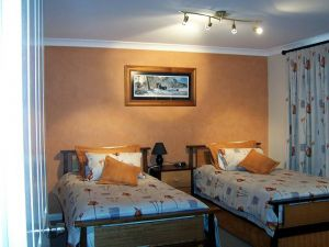 Elm Cottage - Tumut - Accommodation Port Hedland
