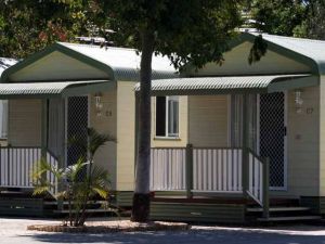 Emerald Cabin  Caravan Village - Accommodation Port Hedland