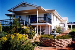 Lovering's Beach Houses - The Whitehouse Emu Bay - Accommodation Port Hedland