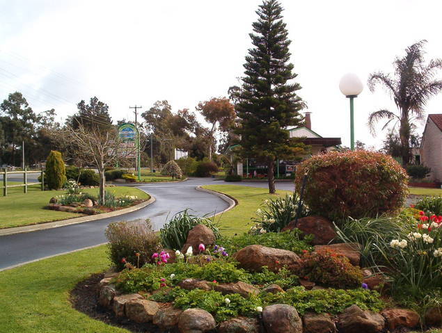 Mount Barker Valley Views Motel and Chalets - Accommodation Port Hedland