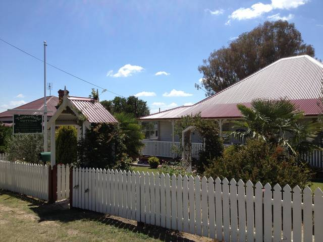 Tenterfield Luxury Historic c1895 Cottage - Accommodation Port Hedland