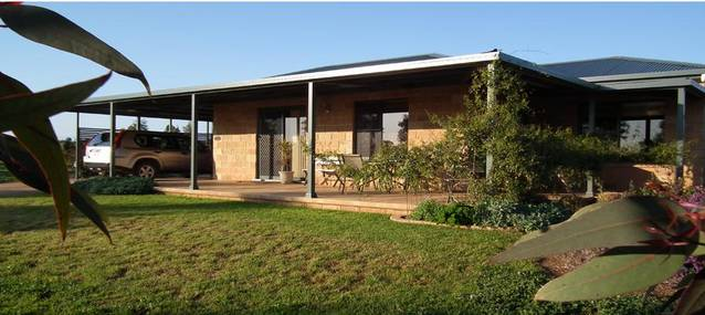 Welcome Cottage Executive Serviced Accommodation - Accommodation Port Hedland