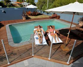 Waikiki Beach Bed and Breakfast - Accommodation Port Hedland