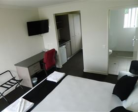 Dooleys Tavern and Motel Springsure - Accommodation Port Hedland