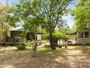 Red Tractor Retreat - Accommodation Port Hedland
