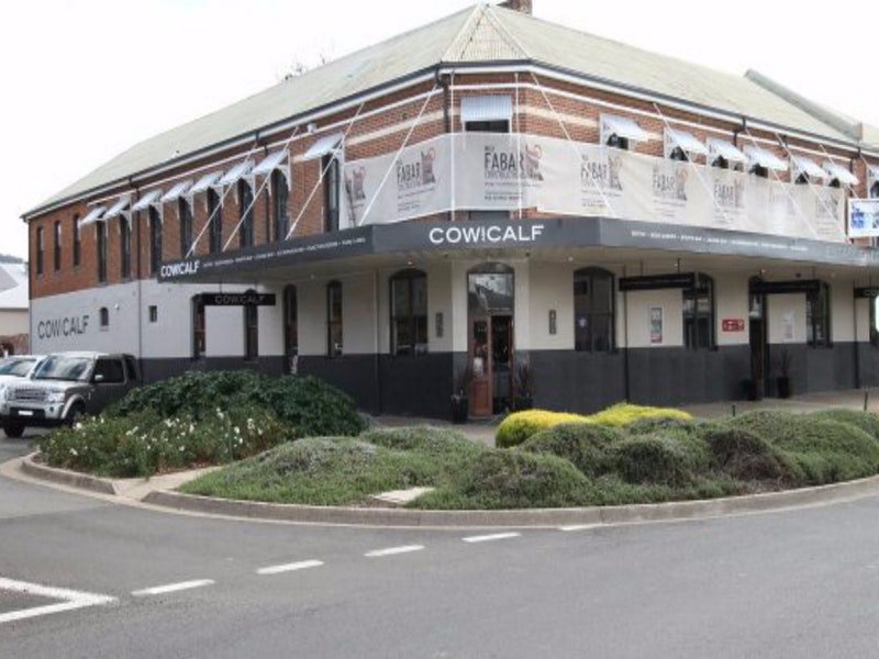 Cow and Calf Hotel - Accommodation Port Hedland