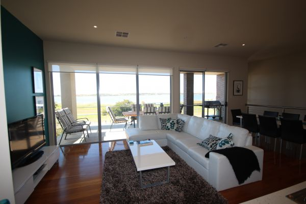LJ Hooker Goolwa Holiday Rentals - 42 Underwood Avenue Goolwa Beach - Accommodation Port Hedland