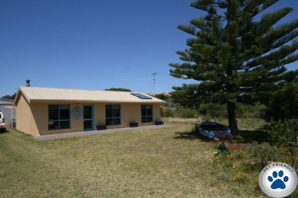 LJ Hooker Goolwa Holiday Rentals - 15 Eaton Avenue Goolwa Beach - Accommodation Port Hedland