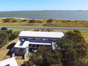 Coorong Aurora - Breathtaking Waterfront Escape - Accommodation Port Hedland