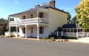 The White House Carcoar - Accommodation Port Hedland
