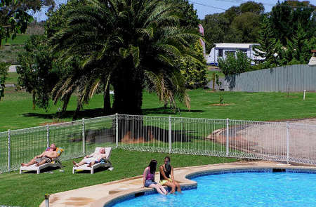 Swan Hill Holiday Park - Accommodation Port Hedland