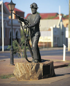 Miners Monument - Accommodation Port Hedland