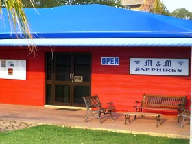 M and M Sapphires - Accommodation Port Hedland