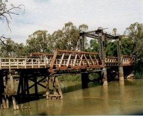 Swan Hill - Murray River Road Bridge - Accommodation Port Hedland