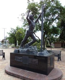 Miners Memorial Statue - Accommodation Port Hedland