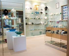 The Glass Gallery - BS Glass Art - Accommodation Port Hedland