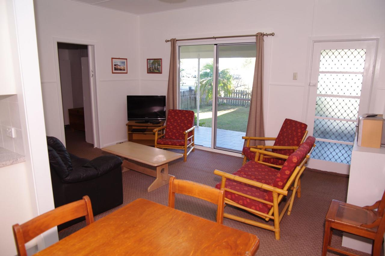 Fleur Cottage 7 Willow Street - Accommodation Port Hedland