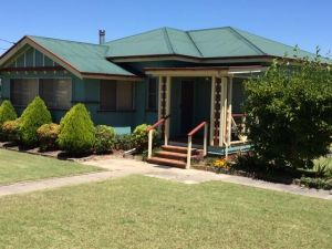 FROGGIES HOLIDAY HOUSE - Accommodation Port Hedland