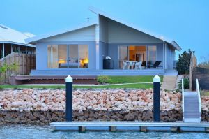 The Carnarvon Luxury Canal Home - Accommodation Port Hedland