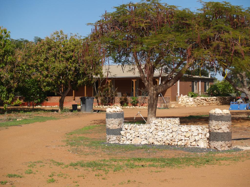 Tropical Farm Stay - Accommodation Port Hedland